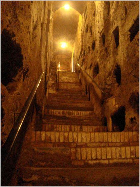 Лестница в катакомбах Каллисто