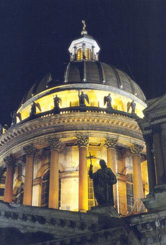 Барабан купола Исаакиевского собора