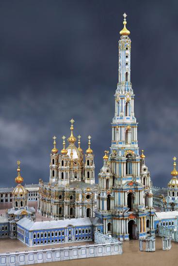 Модель Смольного монастыря